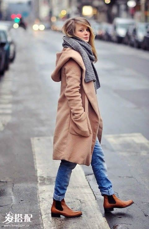 切尔西靴子,冬季这样穿搭最优雅